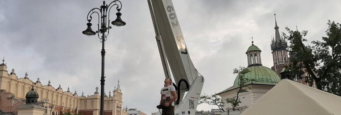 wynajem zwyżki H - 45 m do montażu klimatyzacji Kraków