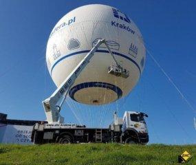 Oklejanie balonu w Krakowie ze zwyzki