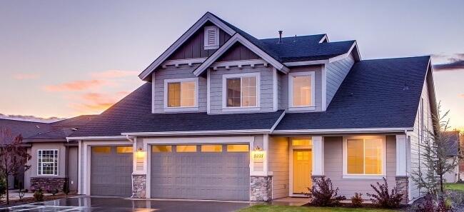 Kontrola stanu dachu podnosnik koszowy