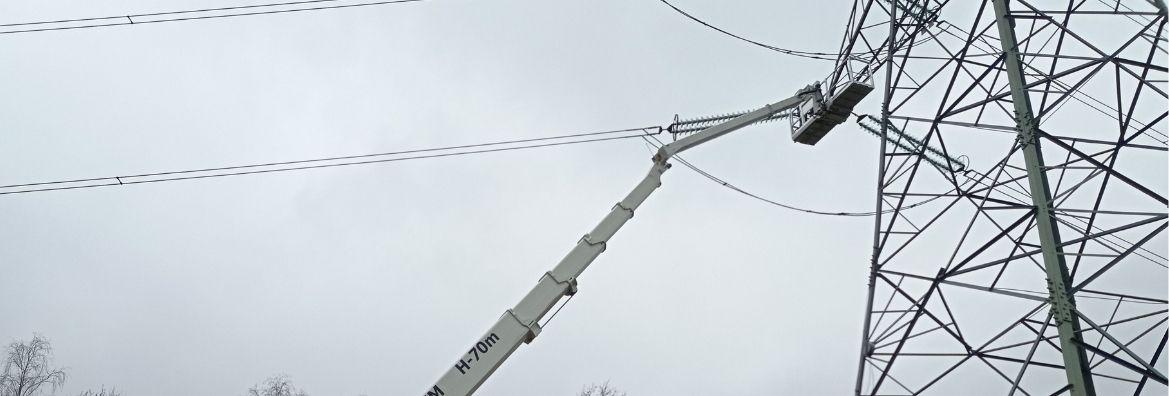 Wysięgnik koszowy do prac przy sieciach napowietrznych